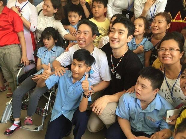 """Đến thăm và diễn show nhiều không tưởng, những nhóm nhạc Hàn đình đám này sắp trở thành """"con đẻ"""" của Việt Nam mất rồi! - Ảnh 7."""