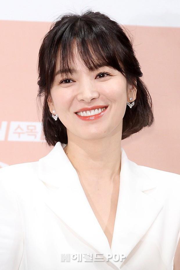 Song Hye Kyo đập tan tin đồn bầu bí nhờ body lột xác, đẹp đỉnh cao bên Park Bo Gum tại sự kiện hot nhất hôm nay - Ảnh 10.