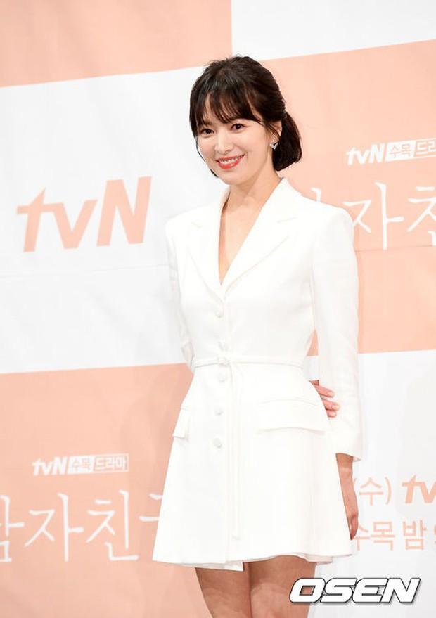 Song Hye Kyo đập tan tin đồn bầu bí nhờ body lột xác, đẹp đỉnh cao bên Park Bo Gum tại sự kiện hot nhất hôm nay - Ảnh 5.