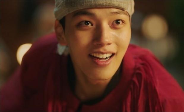 """Chán melodrama, lưu ngay danh sách các phim Hàn """"nặng đô"""" hơn sắp đổ bộ! - Ảnh 6."""