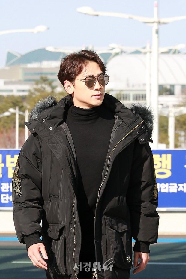 Kim Tae Hee đẹp rạng rỡ trên đường sang Việt Nam, ông xã Bi Rain cũng bất ngờ có mặt tại sân bay - Ảnh 11.