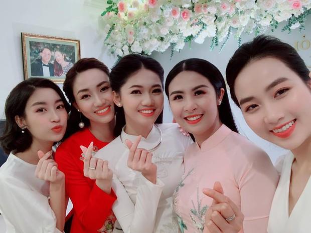 Dàn Hoa hậu góp mặt trong đám hỏi bí mật của Thanh Tú với ông xã doanh nhân - Ảnh 4.