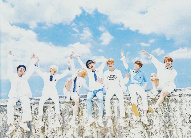 Hiệp hội âm nhạc uy tín của Mĩ lần đầu ghi nhận một idolgroup Hàn đạt 2 thành tích cực ấn tượng và nhóm đó là... - Ảnh 1.