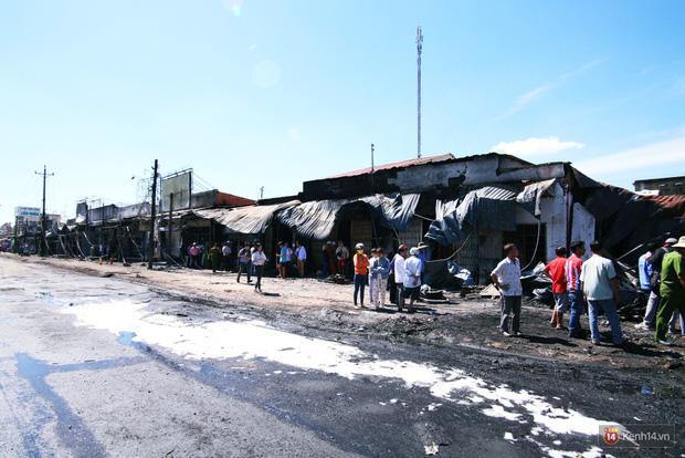 Hiện trường đổ nát sau vụ cháy kinh hoàng ở Bình Phước khiến 6 người tử vong, trong đó có 2 trẻ nhỏ - Ảnh 2.