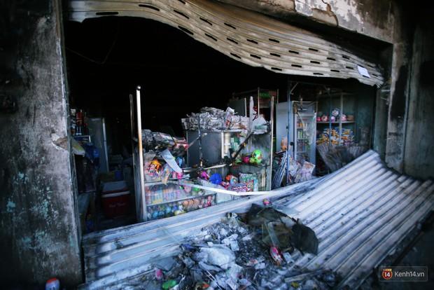 Hiện trường đổ nát sau vụ cháy kinh hoàng ở Bình Phước khiến 6 người tử vong, trong đó có 2 trẻ nhỏ - Ảnh 21.