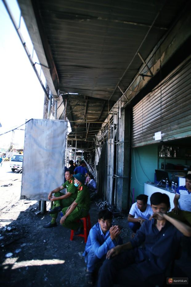 Hiện trường đổ nát sau vụ cháy kinh hoàng ở Bình Phước khiến 6 người tử vong, trong đó có 2 trẻ nhỏ - Ảnh 10.