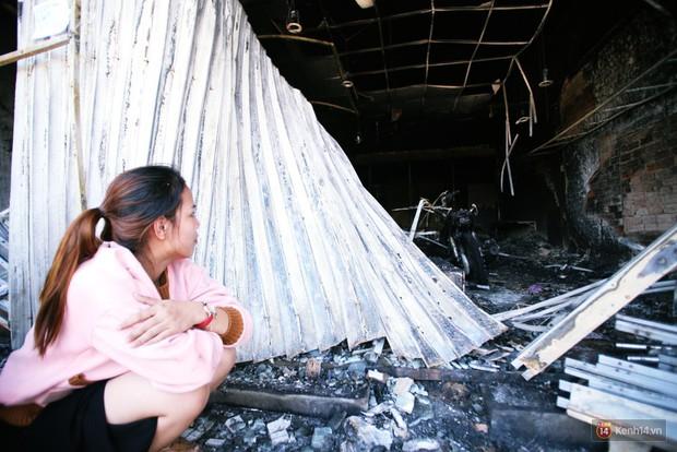 """Vụ cháy xe bồn khiến 6 người chết ở Bình Phước: """"Nhiều người chạy thoát rồi quay lại gào khóc, khung cảnh lúc đó tang thương lắm"""" - Ảnh 6."""