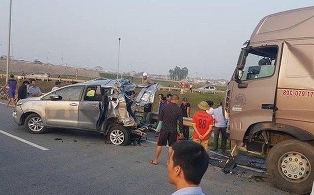 Vụ container đâm vào xe Innova đang lùi làm 4 người chết: Vợ tài xế mất ngủ khi nghe tin hủy bản án - Ảnh 3.