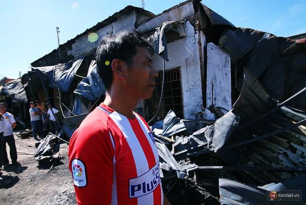 """Vụ cháy xe bồn khiến 6 người chết ở Bình Phước: """"Nhiều người chạy thoát rồi quay lại gào khóc, khung cảnh lúc đó tang thương lắm"""" - Ảnh 4."""
