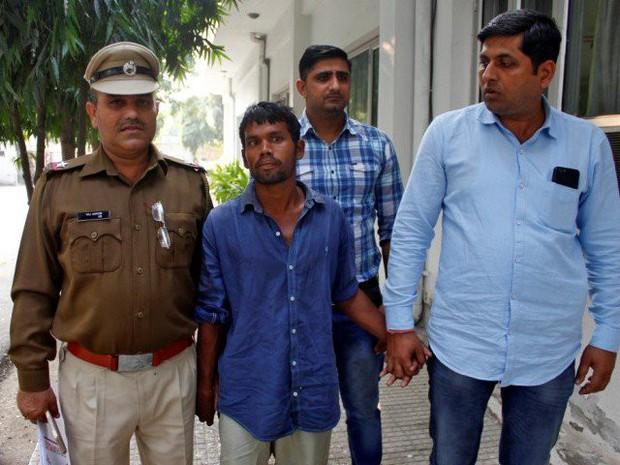 Ấn Độ: Bắt giữ tên sát nhân đã cưỡng hiếp và sát hại ít nhất 9 bé gái khiến dư luận phẫn nộ - Ảnh 1.