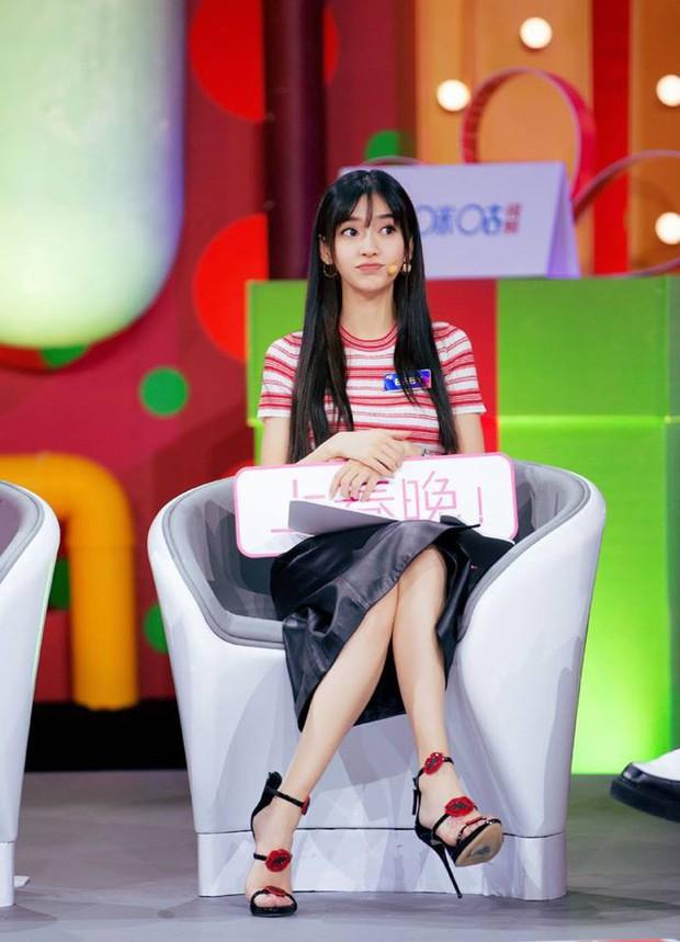 Angela Baby xuất hiện rạng ngời sau tin đồn ly hôn Huỳnh Hiểu Minh - Ảnh 1.