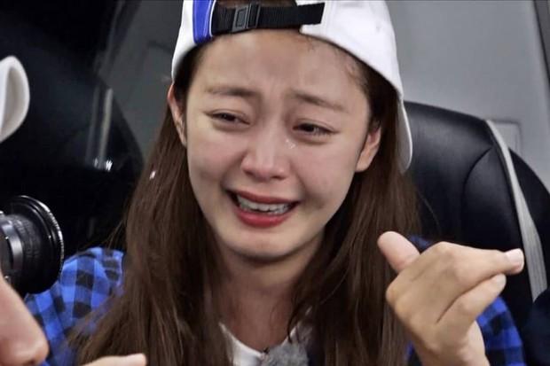 Sao nữ Hàn Quốc khi bị nhắc tới tình cũ trên show thực tế: Người vui vẻ, kẻ bật khóc - Ảnh 18.