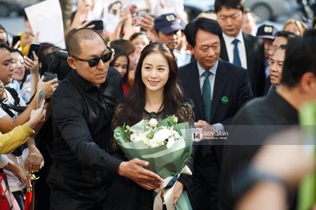 Nữ thần Kim Tae Hee quá xuất thần, thể hiện đẳng cấp mỹ nhân đẹp nhất xứ Hàn tại sự kiện Hà Nội - Ảnh 6.