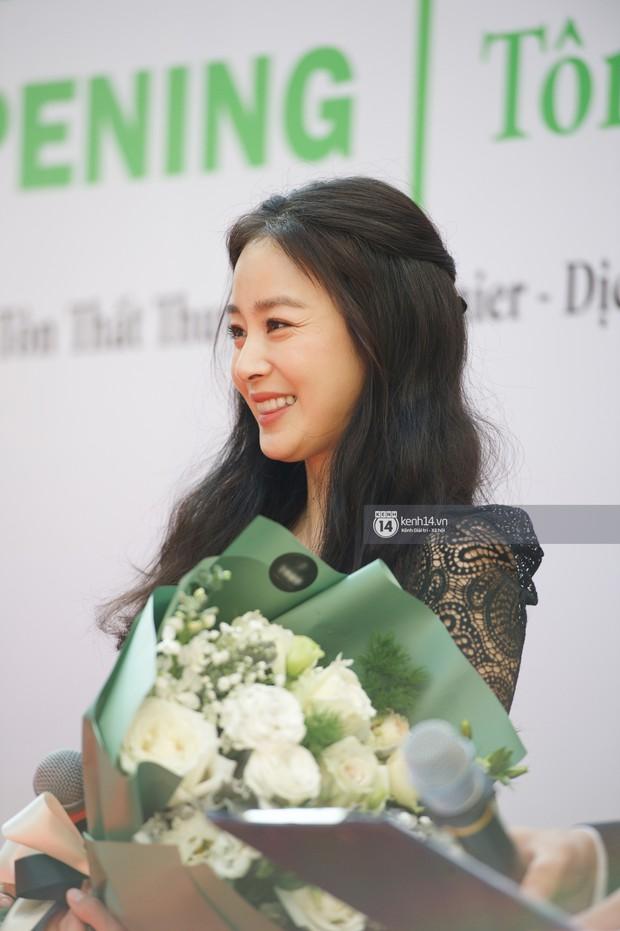 Nữ thần Kim Tae Hee quá xuất thần, thể hiện đẳng cấp mỹ nhân đẹp nhất xứ Hàn tại sự kiện Hà Nội - Ảnh 9.