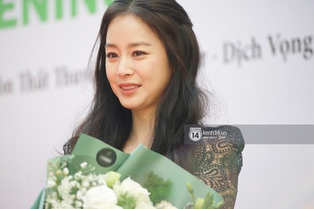 Nữ thần Kim Tae Hee quá xuất thần, thể hiện đẳng cấp mỹ nhân đẹp nhất xứ Hàn tại sự kiện Hà Nội - Ảnh 12.