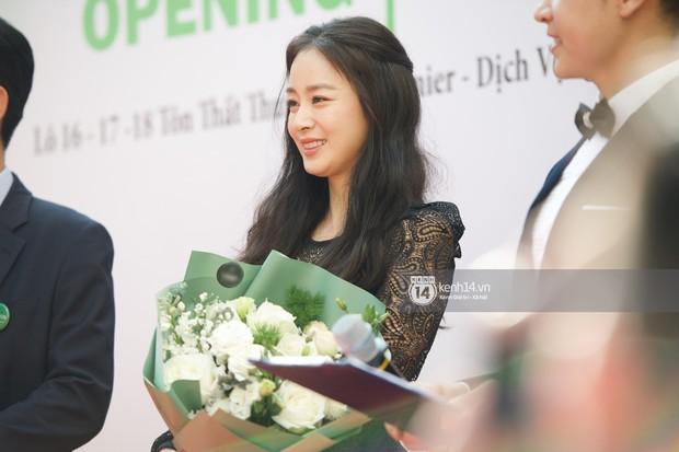 Nữ thần Kim Tae Hee quá xuất thần, thể hiện đẳng cấp mỹ nhân đẹp nhất xứ Hàn tại sự kiện Hà Nội - Ảnh 10.