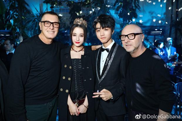 Trang Sina đăng tin NTK Stefano Gabbana có thể bị đuổi, nhân viên Dolce & Gabbana tại Trung Quốc nghỉ việc tập thể - Ảnh 2.