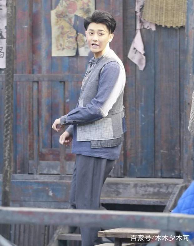 Dở khóc dở cười với nụ hôn không thuận hướng của Hoàng Tử Thao và Trương Tuyết Nghênh trên màn ảnh - Ảnh 9.