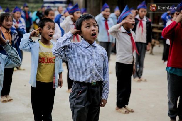 Tuổi xuân của những thầy giáo trẻ và ước mơ dang dở của học trò nghèo trên đỉnh trời Phà Cà Tún - Ảnh 3.