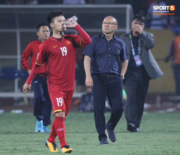 VFF tăng giá vé xem Việt Nam đá bán kết AFF Cup 2018, bán toàn bộ qua mạng - Ảnh 3.