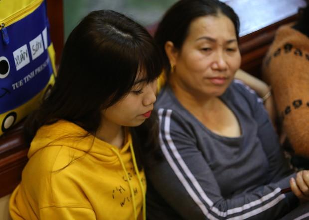 """Gia đình tuyển thủ Việt Nam """"mở hội"""" xem và cổ vũ đội bóng áo đỏ ở trận quyết định tấm vé bán kết - Ảnh 12."""