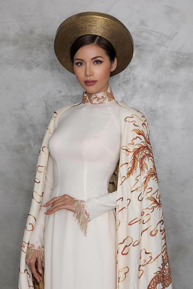 Minh Tú chọn Áo dài truyền thống là quốc phục, mang hình ảnh Con rồng cháu tiên đến Miss Supranational 2018 - Ảnh 1.