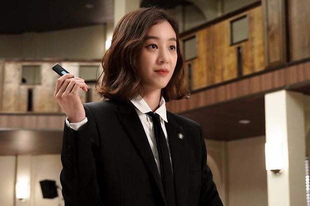"""Các quý cô """"nguy hiểm"""" trong phim Hàn: Hoa hồng đẹp là hoa hồng có gai! - Ảnh 8."""