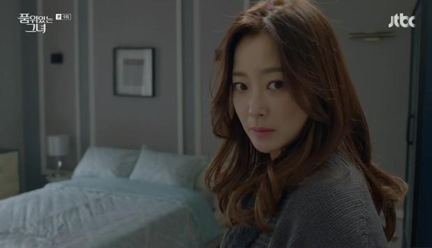 """Các quý cô """"nguy hiểm"""" trong phim Hàn: Hoa hồng đẹp là hoa hồng có gai! - Ảnh 2."""