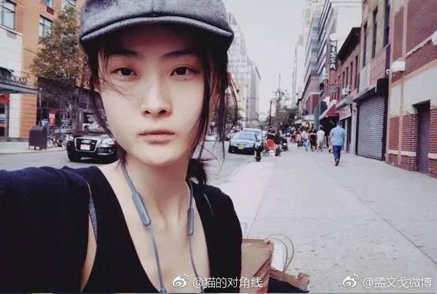 Netizen lùng sục thông tin về người mẫu đóng quảng cáo D&G gây tranh cãi, dấy lên làn sóng tẩy chay toàn Trung Quốc - Ảnh 12.