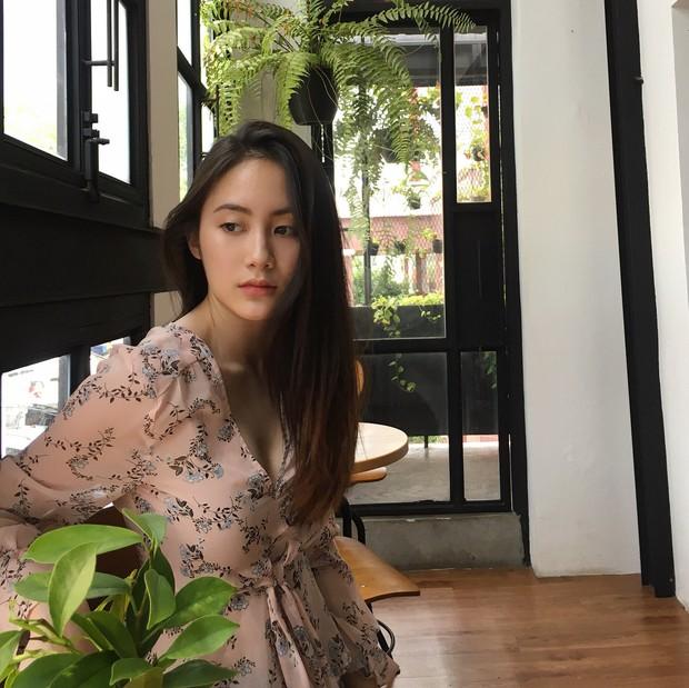 Hot girl Lào gốc Việt xinh đẹp nổi bật trong lễ tốt nghiệp đại học tại Anh - Ảnh 7.