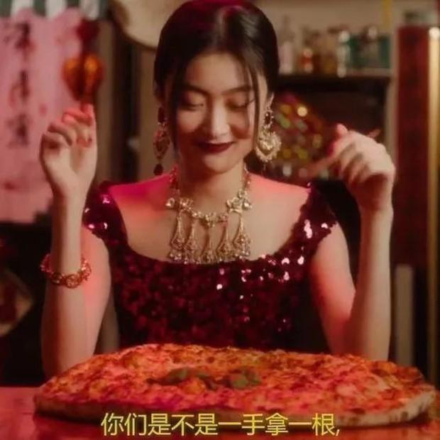 Netizen lùng sục thông tin về người mẫu đóng quảng cáo D&G gây tranh cãi, dấy lên làn sóng tẩy chay toàn Trung Quốc - Ảnh 6.