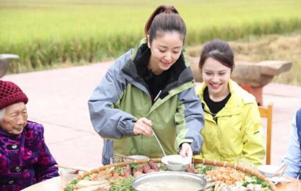 Rộ tin Lâm Tâm Như mang bầu lần 2 ở tuổi 42, Hoắc Kiến Hoa mong chờ là con trai - Ảnh 3.