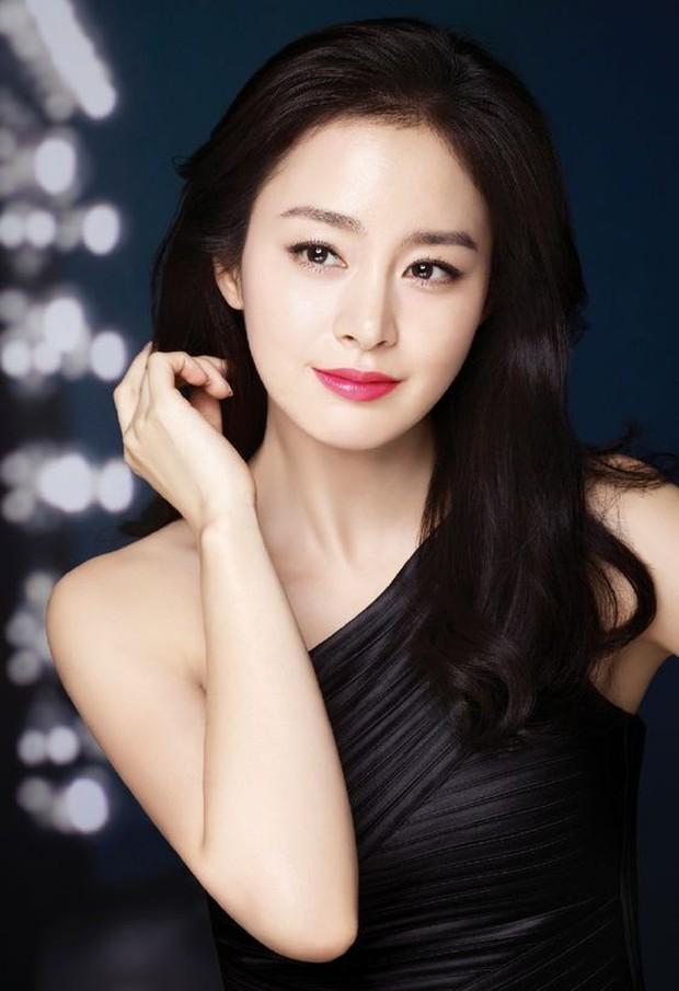 Từ Angelina, Phạm Băng Băng đến Kim Tae Hee: Các nữ thần đẹp nhất showbiz thế giới nay đều lộ những nếp nhăn tuổi tác - Ảnh 9.