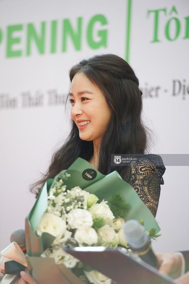 Từ Angelina, Phạm Băng Băng đến Kim Tae Hee: Các nữ thần đẹp nhất showbiz thế giới nay đều lộ những nếp nhăn tuổi tác - Ảnh 11.