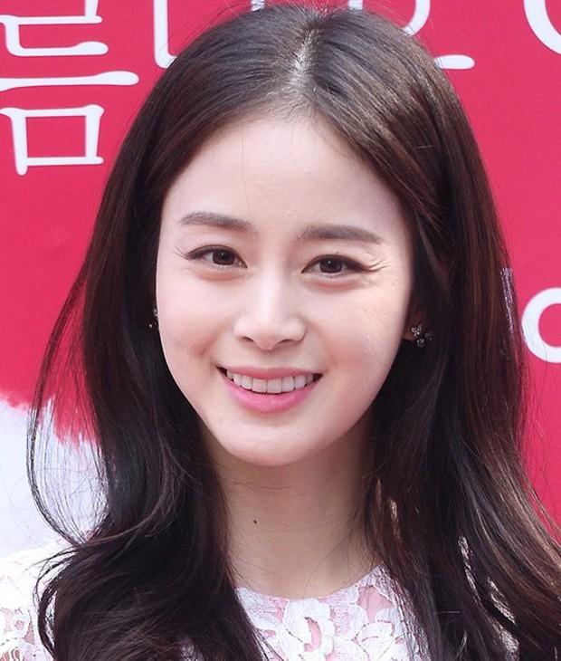 Từ Angelina, Phạm Băng Băng đến Kim Tae Hee: Các nữ thần đẹp nhất showbiz thế giới nay đều lộ những nếp nhăn tuổi tác - Ảnh 13.