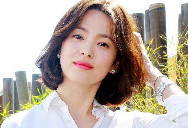 Từ Angelina, Phạm Băng Băng đến Kim Tae Hee: Các nữ thần đẹp nhất showbiz thế giới nay đều lộ những nếp nhăn tuổi tác - Ảnh 14.