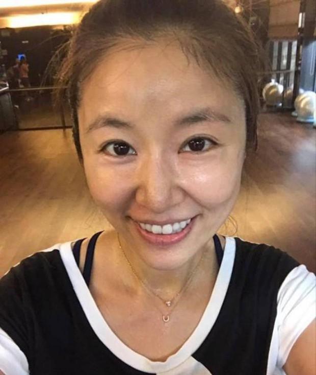 Từ Angelina, Phạm Băng Băng đến Kim Tae Hee: Các nữ thần đẹp nhất showbiz thế giới nay đều lộ những nếp nhăn tuổi tác - Ảnh 30.