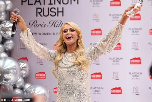 Paris Hilton: Nàng tiểu thư dù hết thời vẫn giữ được nhan sắc đầy trẻ trung và gợi cảm ở tuổi U40 - Ảnh 6.