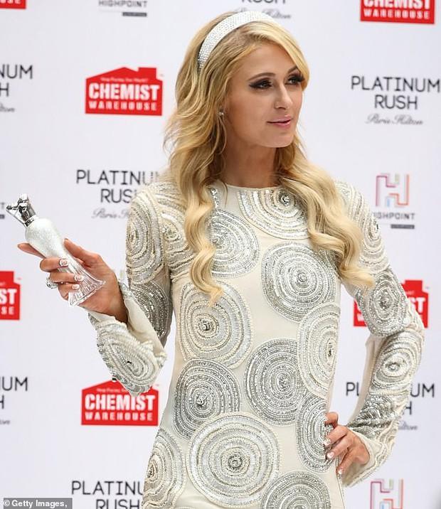 Paris Hilton: Nàng tiểu thư dù hết thời vẫn giữ được nhan sắc đầy trẻ trung và gợi cảm ở tuổi U40 - Ảnh 8.