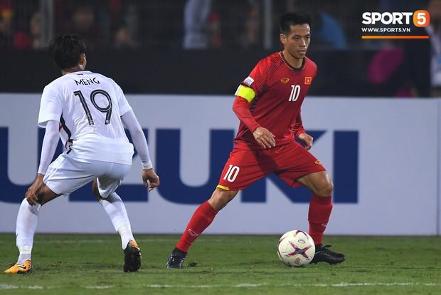 Đội trưởng tuyển Việt Nam: Nhiệm vụ chưa hoàn thành, cần phải tập trung ngay vào bán kết AFF Cup 2018 - Ảnh 2.