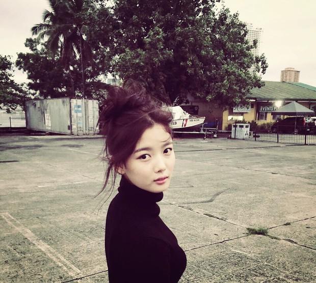 Cùng là một lần hở hiếm hoi: Kim Yoo Jung gây choáng với vòng 1 khủng, Kim So Hyun lại khiêm tốn thế này? - Ảnh 10.