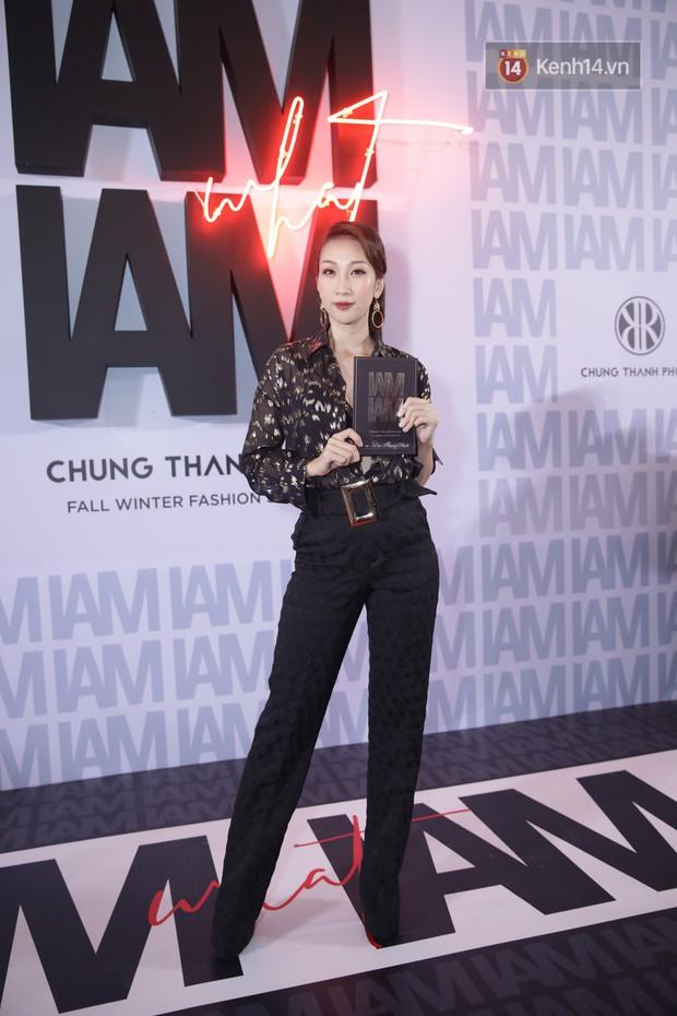 Thảm đỏ show Chung Thanh Phong: Khả Ngân thử style lạ, Quỳnh Anh Shyn giật giũ như chim sẻ đi mưa - Ảnh 26.
