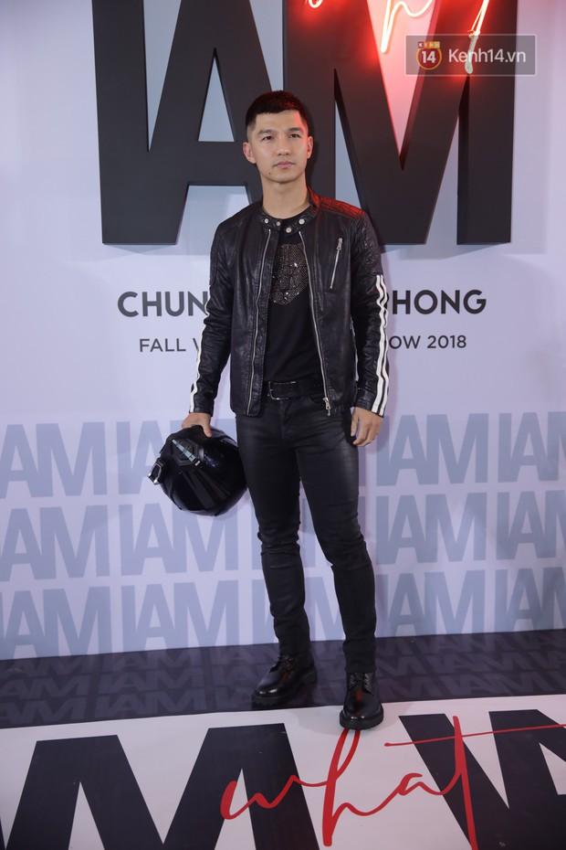 Thảm đỏ show Chung Thanh Phong: Khả Ngân thử style lạ, Quỳnh Anh Shyn giật giũ như chim sẻ đi mưa - Ảnh 40.