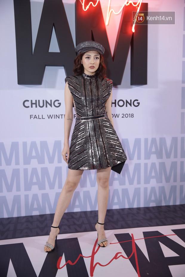 Thảm đỏ show Chung Thanh Phong: Khả Ngân thử style lạ, Quỳnh Anh Shyn giật giũ như chim sẻ đi mưa - Ảnh 27.
