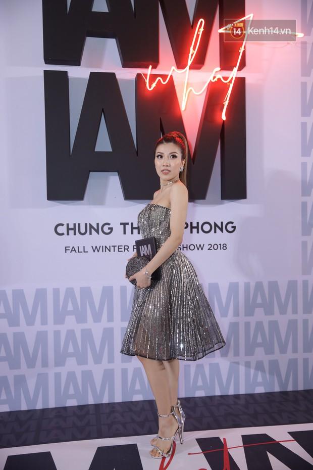 Thảm đỏ show Chung Thanh Phong: Khả Ngân thử style lạ, Quỳnh Anh Shyn giật giũ như chim sẻ đi mưa - Ảnh 34.