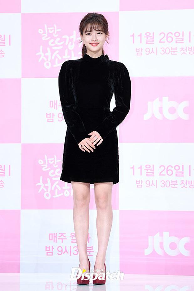 Sự kiện dở khóc dở cười: Nữ chính Kim Yoo Jung xinh đẹp bị ra rìa, nam chính và phụ công khai nắm tay tình tứ - Ảnh 3.