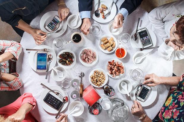 Một thói quen xấu khi ăn mà rất nhiều người mắc phải nhưng lại không biết đến các tác hại đằng sau đó - Ảnh 4.