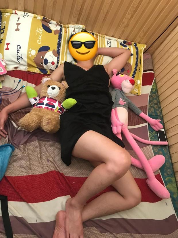 Hết cách trị chồng say xỉn, cô vợ bá đạo liền lôi hết váy vóc gợi cảm mặc lên người chồng rồi chụp ảnh đăng Facebook để dằn mặt - Ảnh 5.