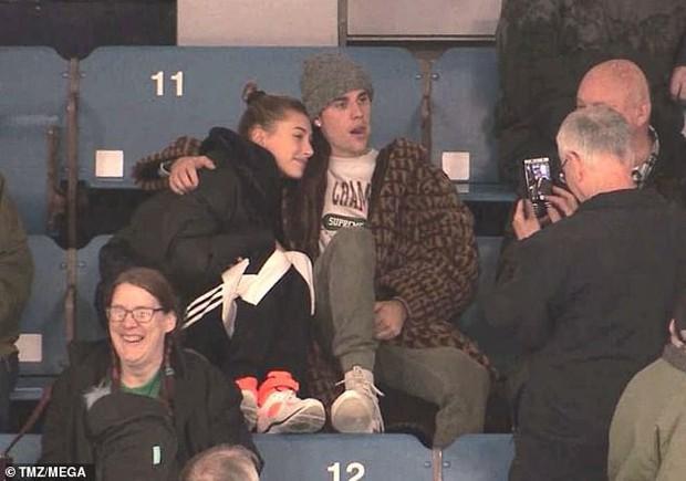 Justin Bieber dẫn vợ mới cưới đi xem thể thao nhưng DJ lại toàn phát nhạc... Selena Gomez - Ảnh 5.