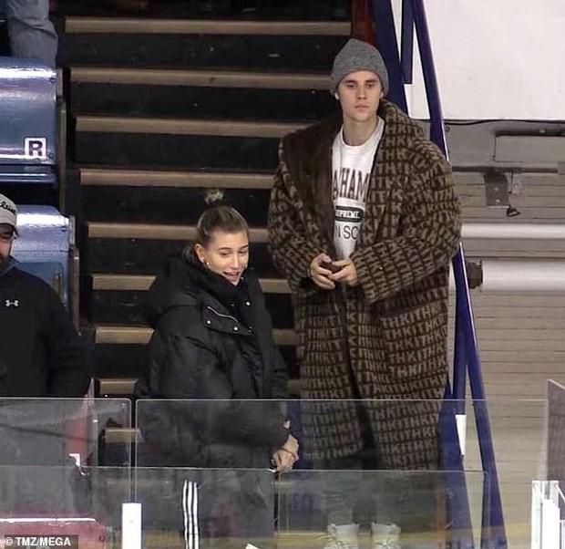 Justin Bieber dẫn vợ mới cưới đi xem thể thao nhưng DJ lại toàn phát nhạc... Selena Gomez - Ảnh 7.